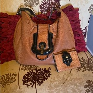 ❤️❤️Authentic fendi bag with wallet beautiful ❤️❤️
